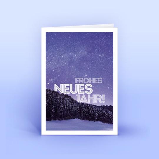 Weihnachtskarte und Neujahrskarte lilane Landschaft